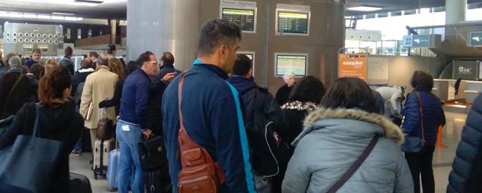Vento fortissimo, tre voli dirottati Trecento siciliani bloccati a Verona