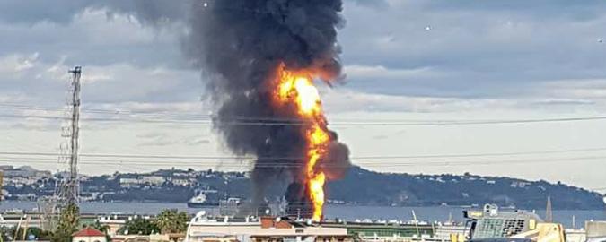 Incendio nella raffineria di Milazzo