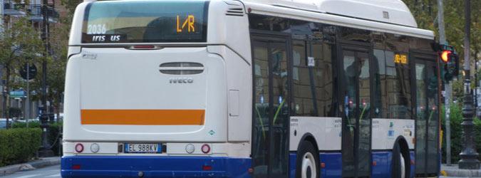 Palermo, petardo contro bus dell'Amat