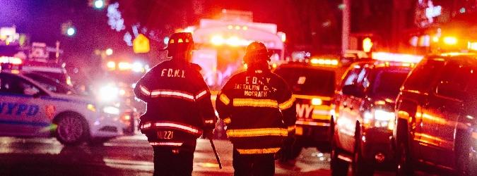Brucia un palazzo del Bronx: 12 morti