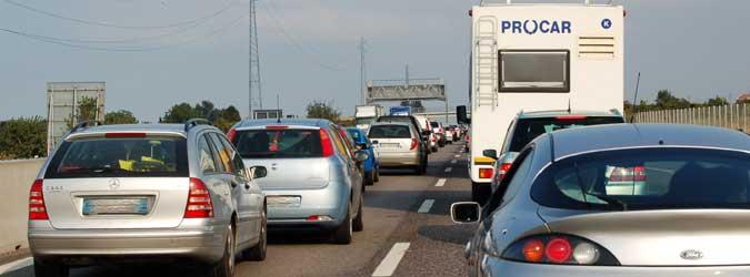 Sulla Catania-Messina a 40 km all'ora: ci sono i lavori sulle crepe del terremoto