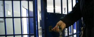 Telefonini nelle celle dell'Ucciardone