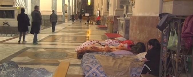 """I senzatetto: """"Una casa e il posto fisso"""" Ma il Comune dice no: """"Inaccettabile"""""""