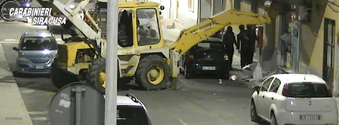 Fermata la banda dell'escavatore