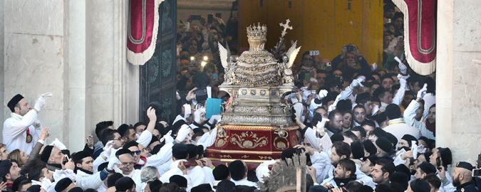 Sant'Agata, alle 11.15 il rientro