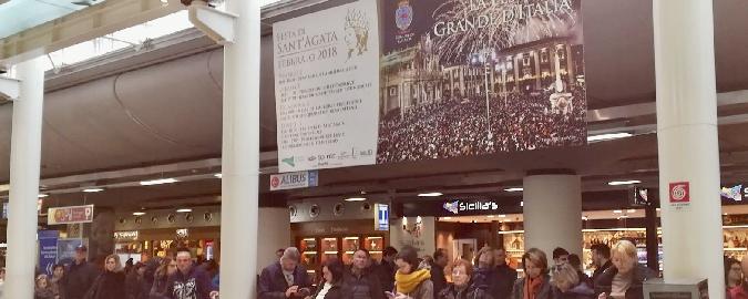 Sant'Agata accoglie i turisti in aeroporto