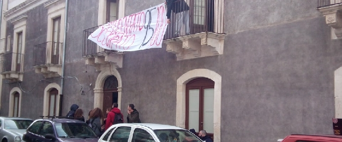 Studenti catanesi occupano la biblioteca