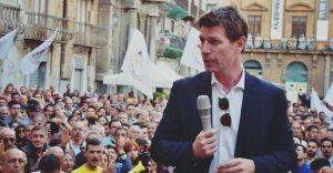 L'eurodeputato Corrao lascia il M5s
