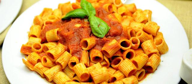 Italiano sprecone: butta 36 kg di cibo all'anno