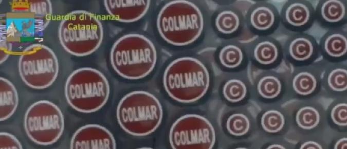 11fecb959b38 Catania, blitz nelle fabbriche del falso. CATANIA – Due fabbriche di capi  d'abbigliamento e accessori contraffatti ...