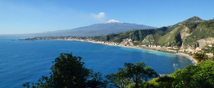 """""""Aiuti ridicoli: Taormina così muore"""""""
