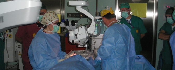 La chirurgia della cataratta spiegata dalle donne medico
