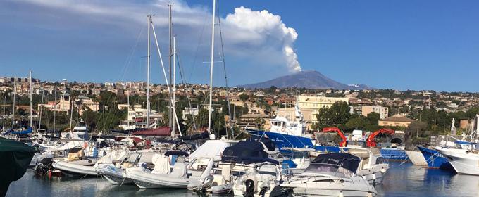 Terremoto, notte tranquilla sull'Etna. Regione dichiara lo stato di calamità