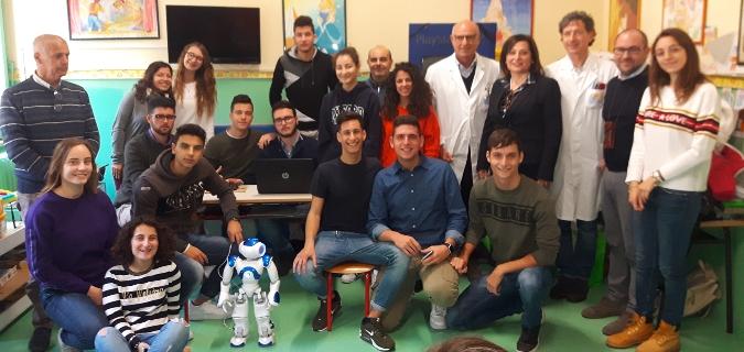 Siracusa, un robot interattivo in Pediatria