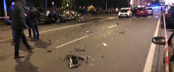 Maxi incidente in viale Sanzio
