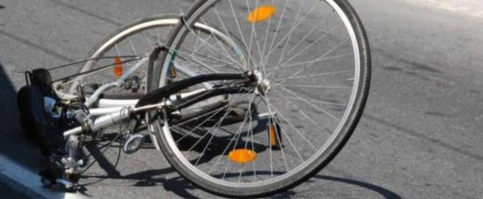 Scivola dalla bicicletta e finisce in carcere
