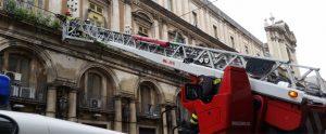 Positivo e pesante: arrivano i pompieri