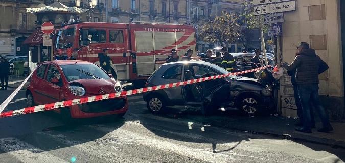Scontro a Catania: bimbo miracolato