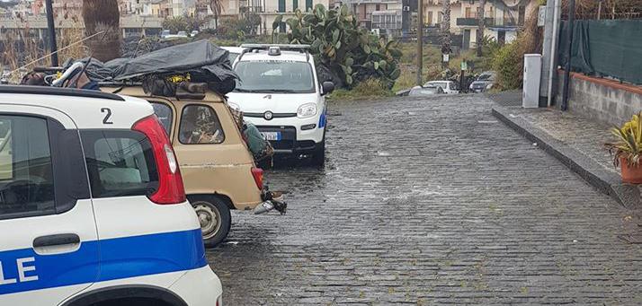 Tutti a cercare la Renault 4: è ad Aci Trezza