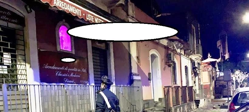 Catania, negozio di arredamenti era aperto. Ragazzini annoiati rubano furgone al nonno