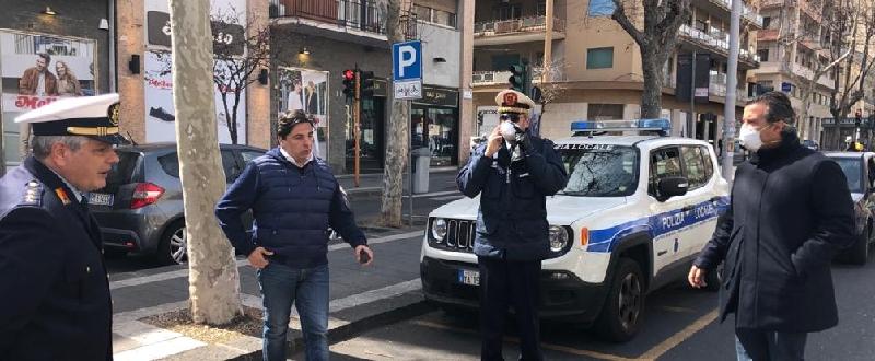 Anche Pogliese fa il controllore
