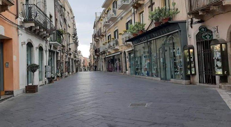 Senza turismo si muore, Taormina rialzati