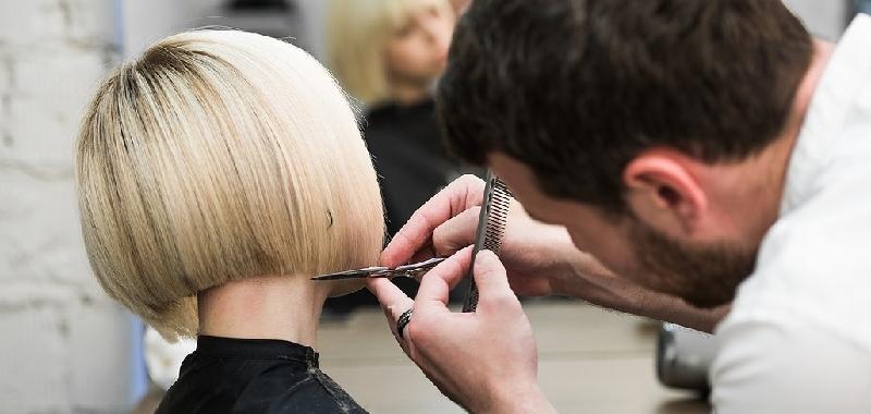 Barriere e prenotazioni: parrucchieri apriranno anche domenica e lunedì