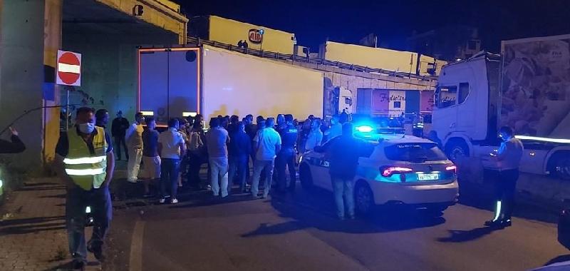 Blocco dei camionisti al porto di Tremestieri