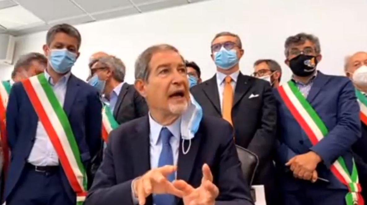 """Musumeci: """"Da Alitalia cinismo e capricci. Biglietto unico svincolato da prenotazioni"""""""