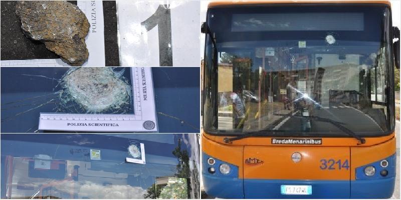 L'autista si rifiuta di farlo salire senza mascherina: sasso contro bus Amt a Librino
