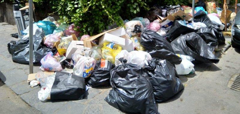 Catania, stangati pendolari dei rifiuti