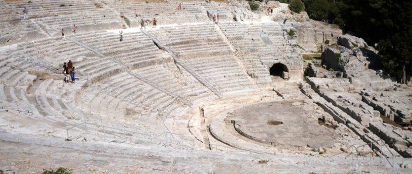 Riapre il teatro greco di Siracusa: solo 480 spettatori e tanti monologhi
