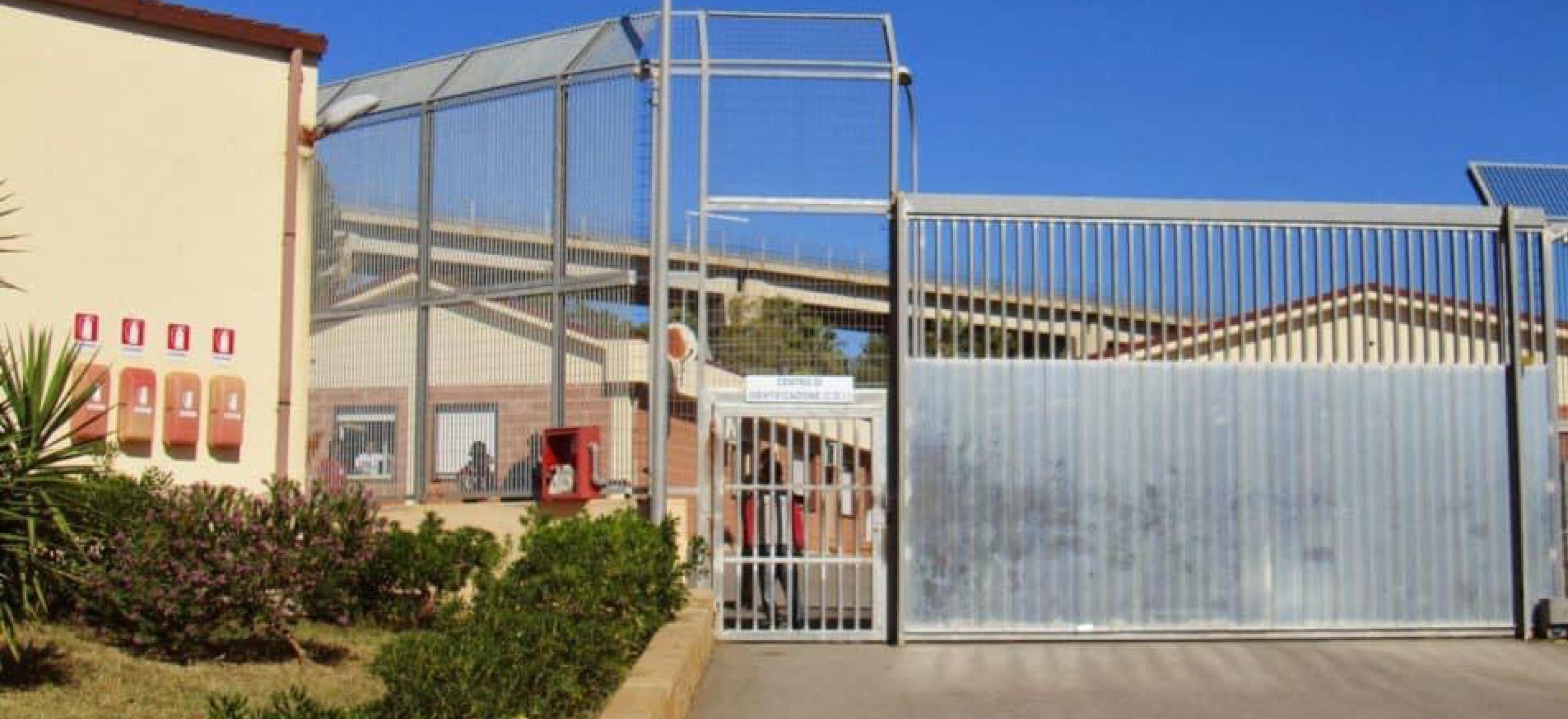 Caltanissetta, 7 migranti positivi al Cara
