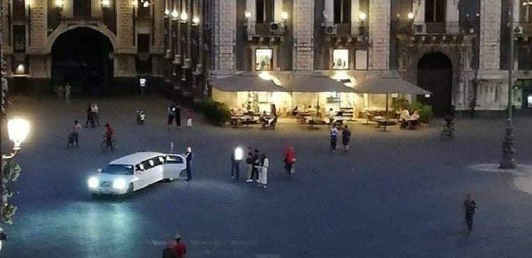 Limousine al Duomo, multe al proprietario