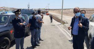 """Musumeci e Razza, allarme da Lampedusa: """"La Sicilia non è un campo profughi"""""""