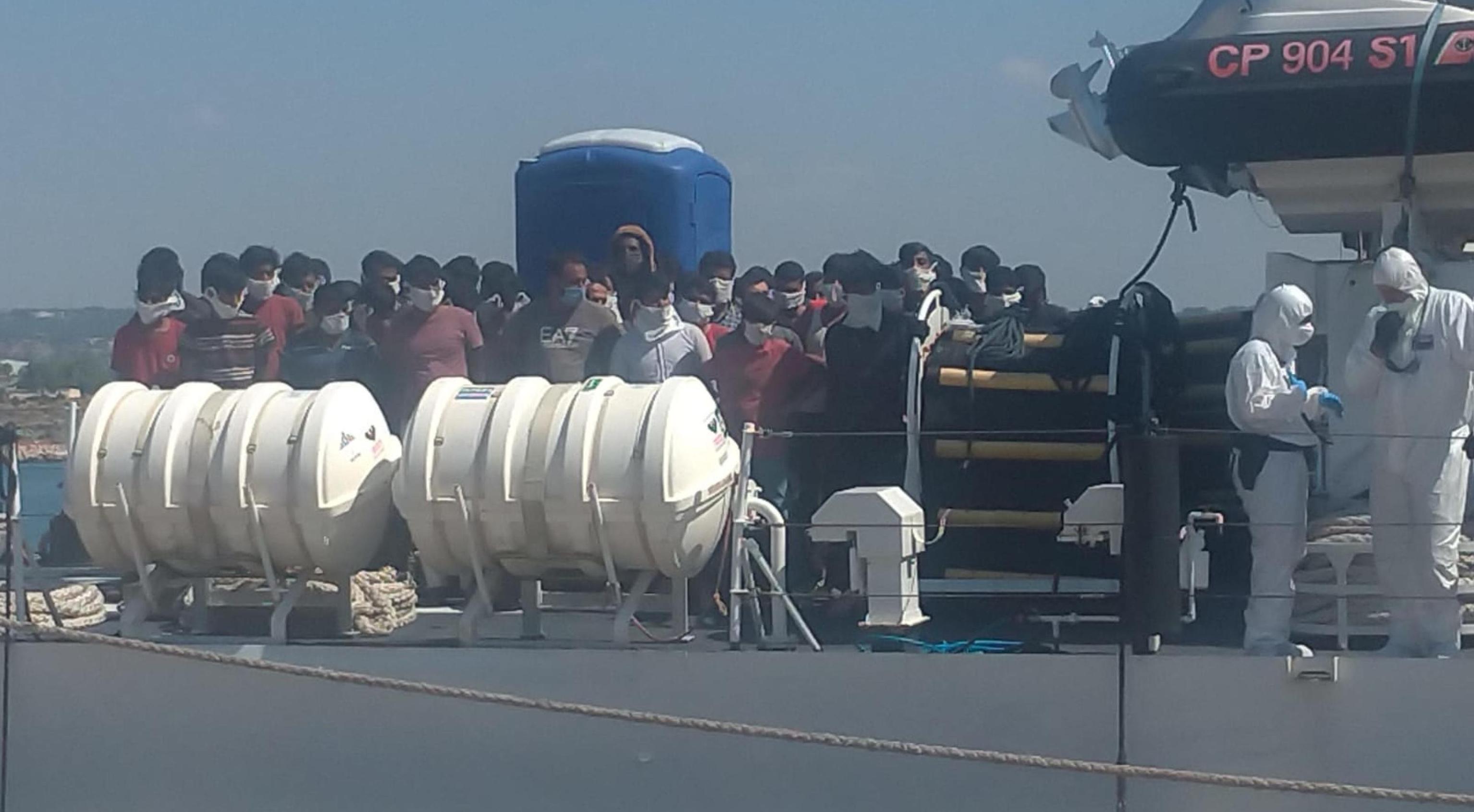 Tutti negativi i migranti a Lampedusa, ma a Pozzallo ci sono due contagiati