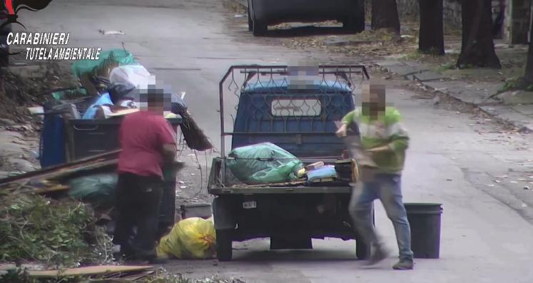 Traffico illecito di rifiuti, 5 arresti