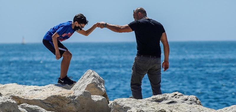 Impennata Covid: nove positivi in più, ma otto sono i migranti sbarcati