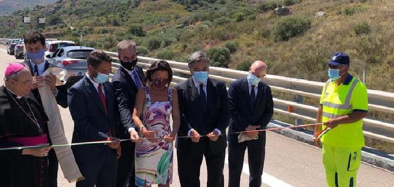 """Inaugurato il nuovo viadotto Himera. Musumeci: """"Nulla da festeggiare"""""""