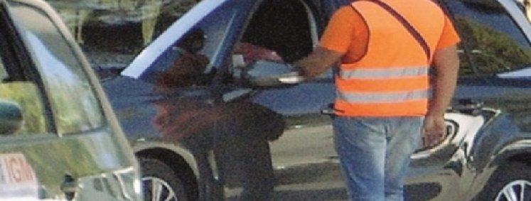 Catania, è caccia ai parcheggiatori abusivi
