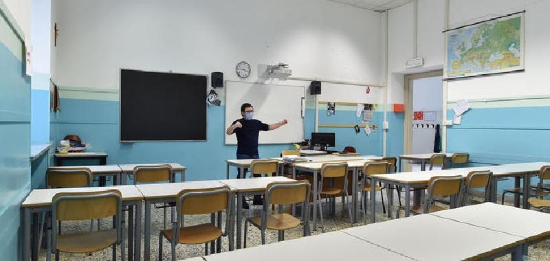 Scuola, Sicilia verso nuovo slittamento