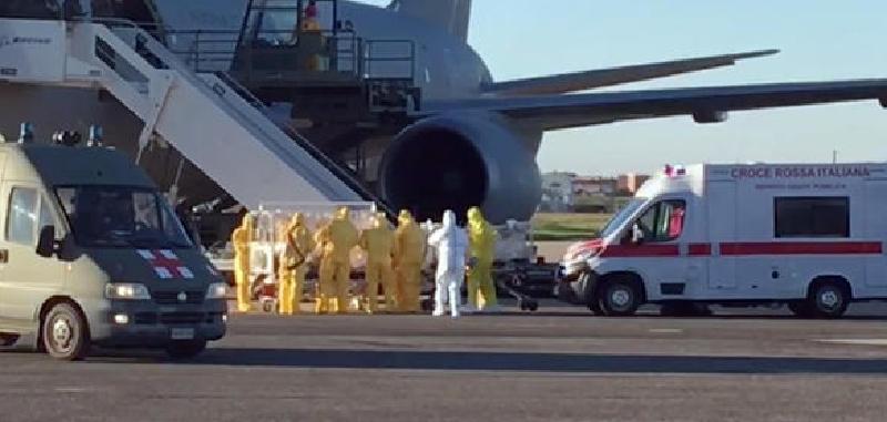 Covid: in aereo c'è rischio di contagio