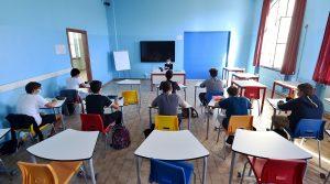 """Sicilia, le regole per le mascherine a scuola: """"Vanno bene anche se non chirurgiche"""""""