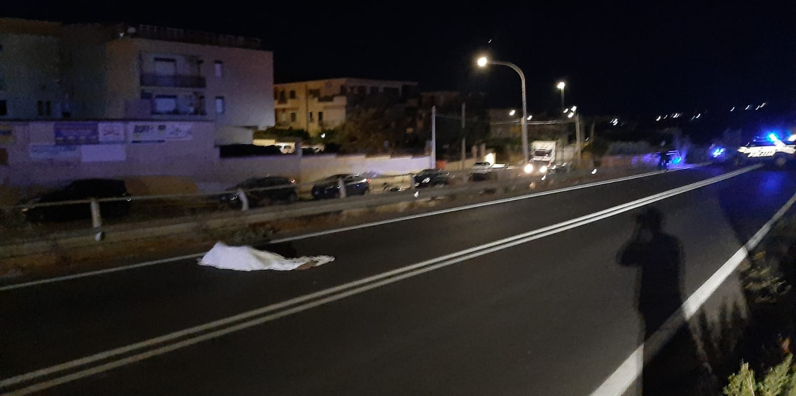 "Migrant escapes, killed by a car.  Lamorgese: ""We will lighten the presences"""