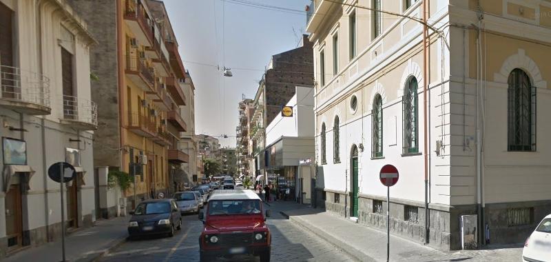 Catania, bloccato il ladro di cellulari