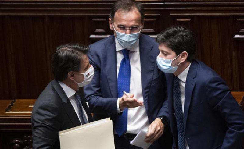"""No spostamenti tra comuni 25, 26 e 1: """"Italia tutta gialla a metà dicembre"""""""