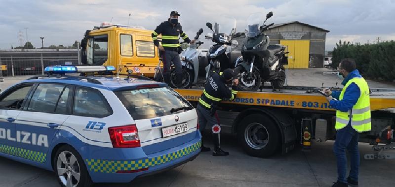 Truffa per riavere i suoi scooter sequestrati