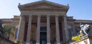 Positivi 17 coristi del Teatro Massimo