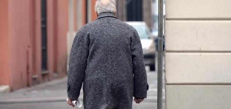 """""""Devo mangiare per prendere le medicine"""": 90enne aiutato dai finanzieri a capodanno"""