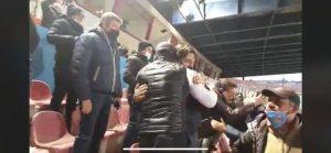 """""""Pogliese dà abbracci allo stadio, non è un buon esempio in tempi di pandemia Covid"""""""